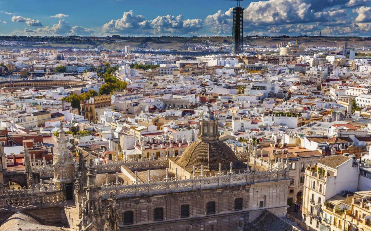 S ville ville startup friendly le courrier d 39 espagne - Seville hotel piscine ...